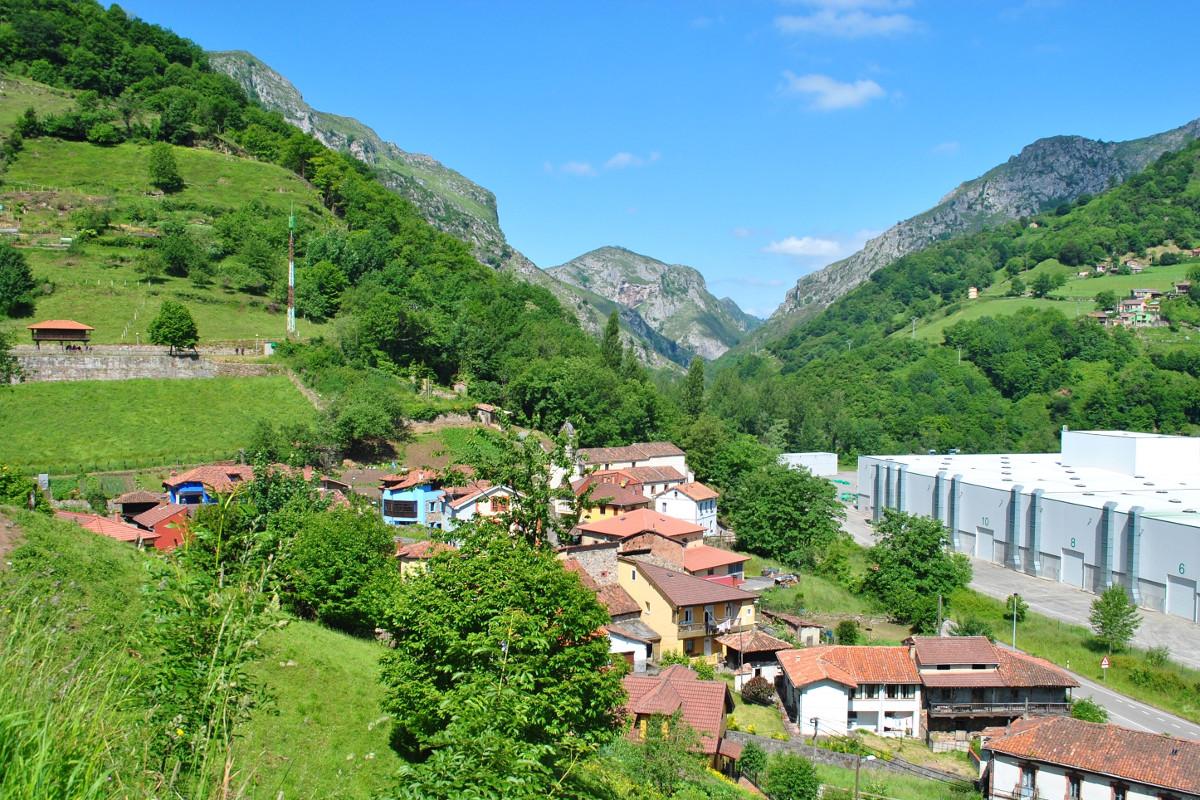 Vista del valle de Lloreo (Fot: Asoc. Cultural Los Averinos)