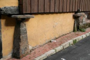 Detalle de los pegoyos Panera de Ablaña de Abaxo - Lloreo