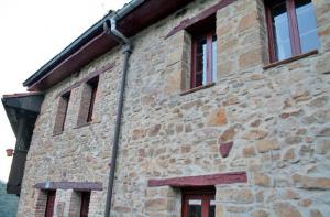Fachada de las casas pareadas de turismo rural - La Val.licuerra