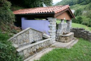 Fuente, lavadero y abrevadero de Vil.laño - Turón