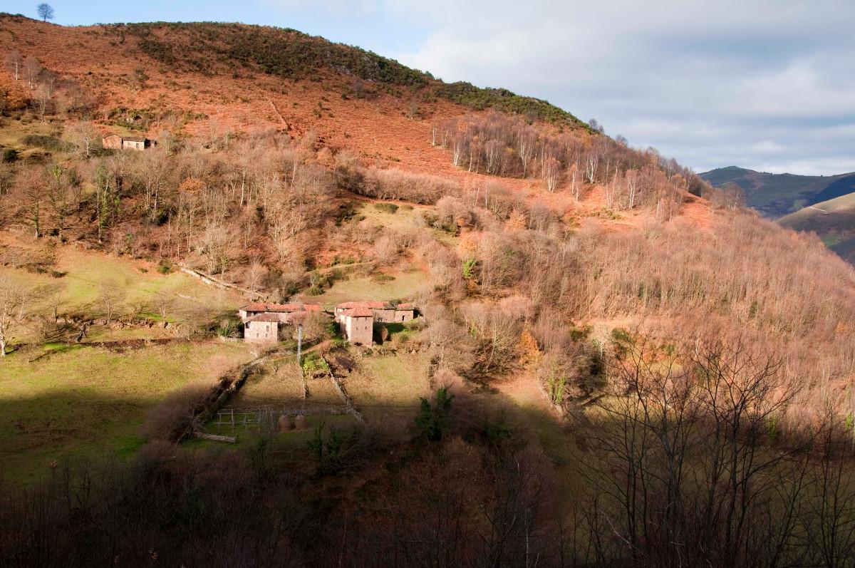 La Yana´l Pumar y Corraines - Urbiés (Fot: José Luis Soto)