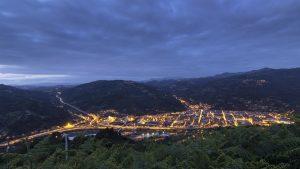 Vistas nocturnas a Mieres del Camín (Fot: Cheluis - AF Semeya)