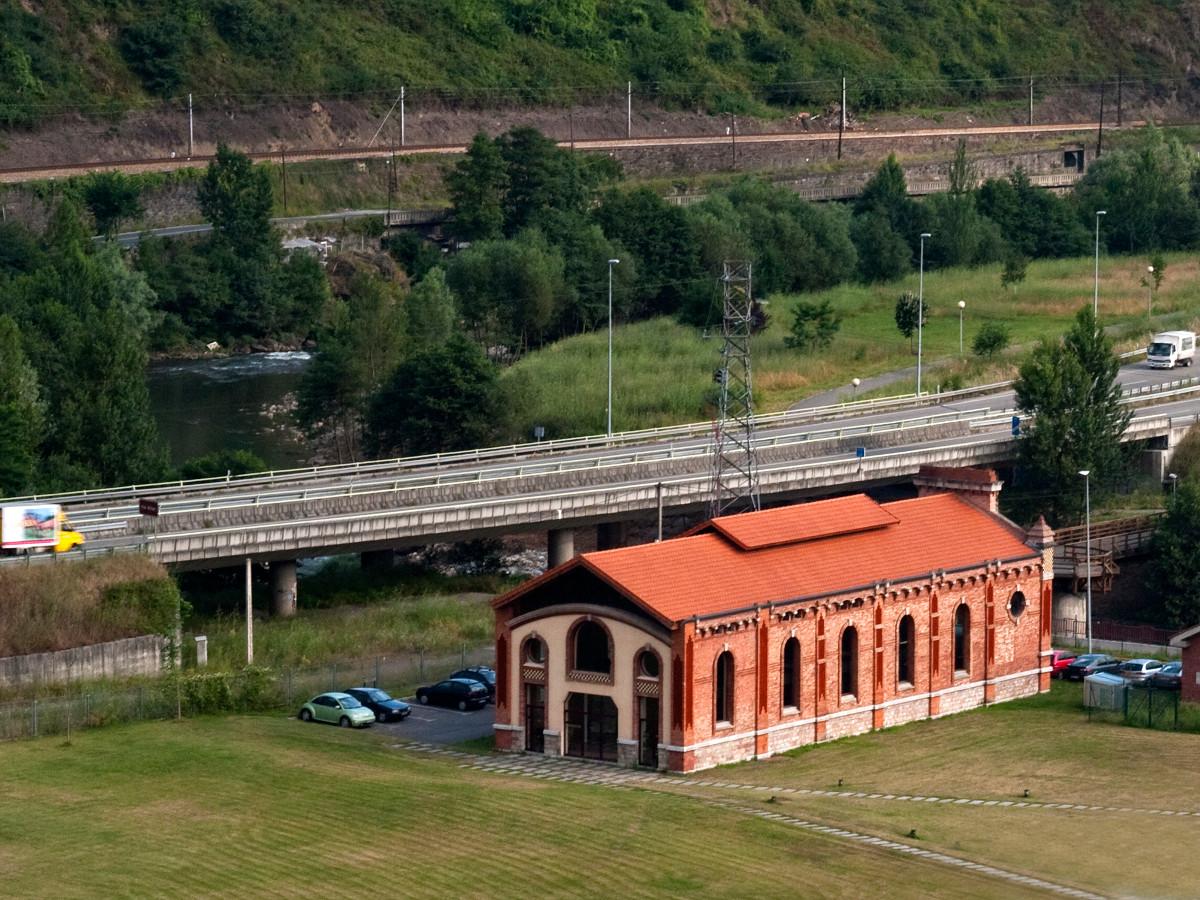 Antigua estación termoeléctrica SHE - Santa Cruz (Fot. Carlos Salvo - AF Semeya)
