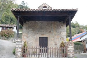 Capilla de San Ándres y Santa Bárbara, Paxio, Cuna