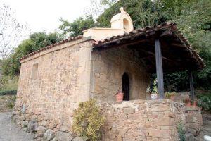 Capilla de la Virgen de las nieves, Viesca, Cuna