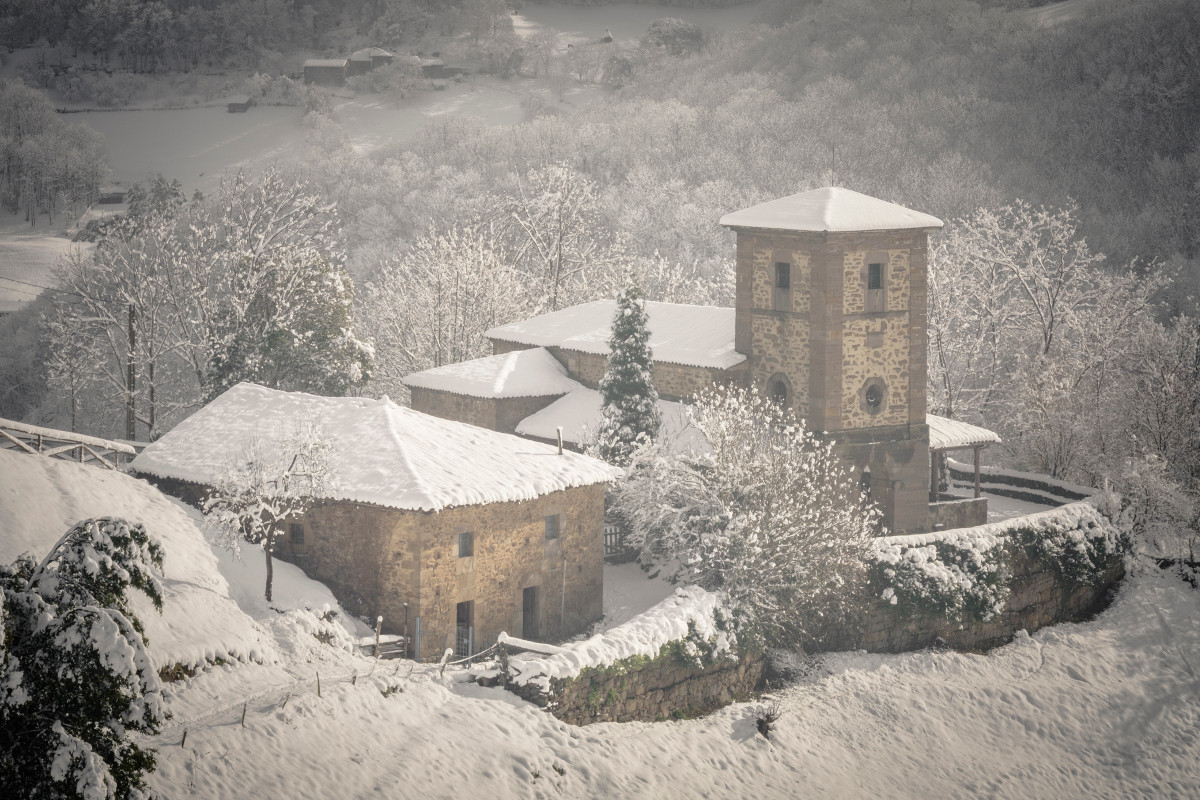 Vista a la Ermita de los Martires, Cuna (Fot. Kasis - AF Semeya)