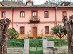 Frontal Casa de los Jardines