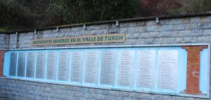 Monumento a los Mineros Fallecidos Valle Turón