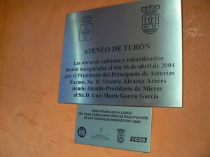 Placa informativa Atenéu de Turón